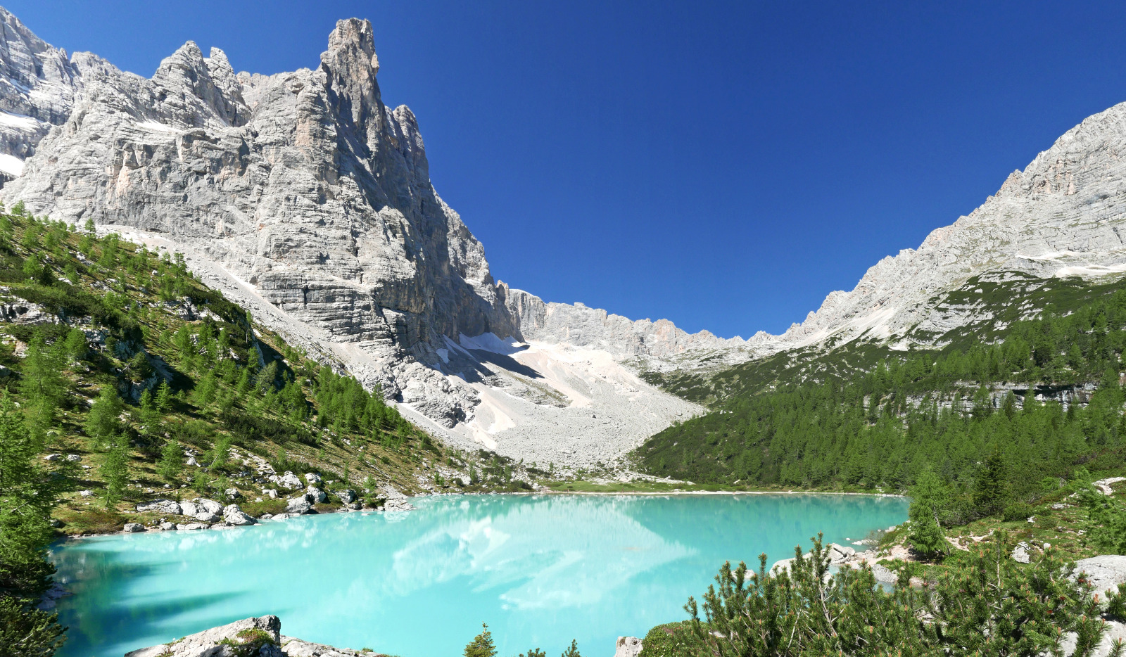 Il Lago del Sorapis e il Rifugio Vandelli
